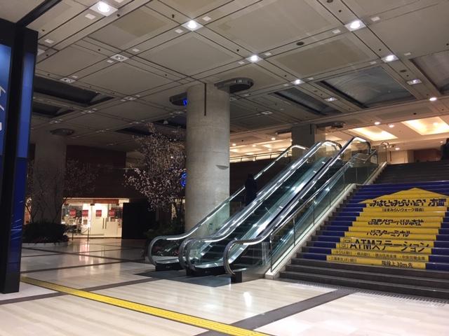 横浜駅エレベータ