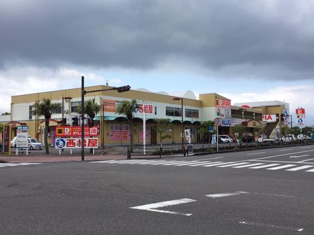 志布志駅前のショッピングセンター